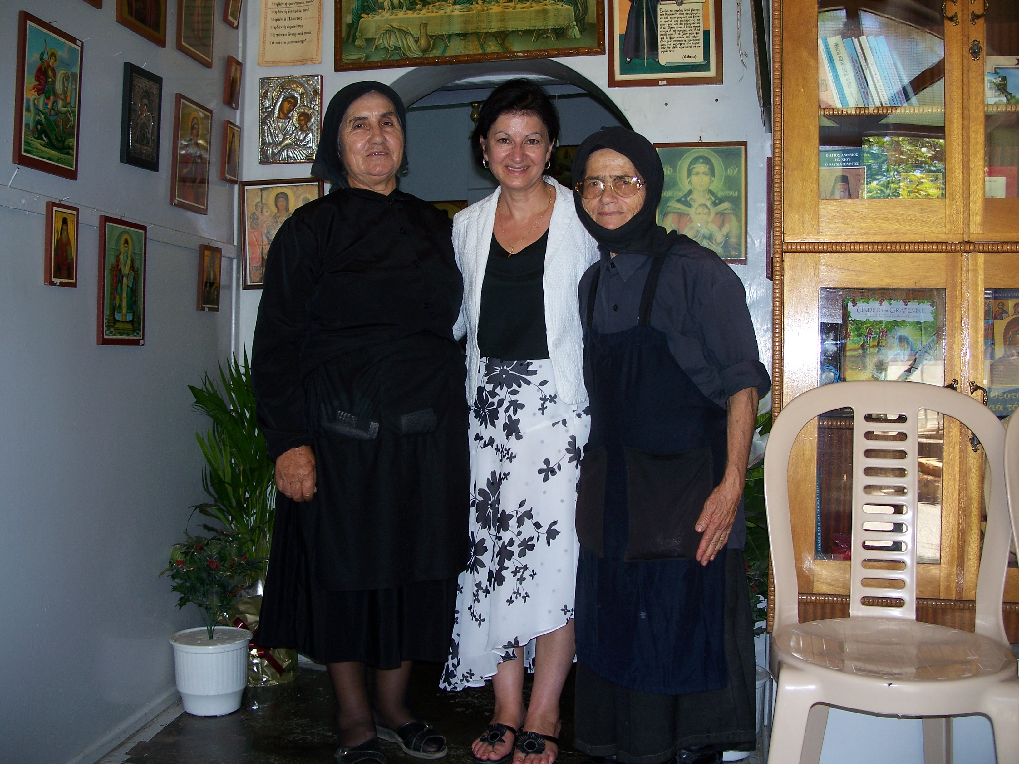 author-with-holy-sisters